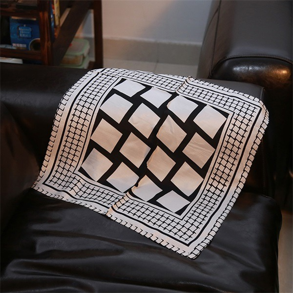 business gifts black white check scarf of 100 silk habotai (1)