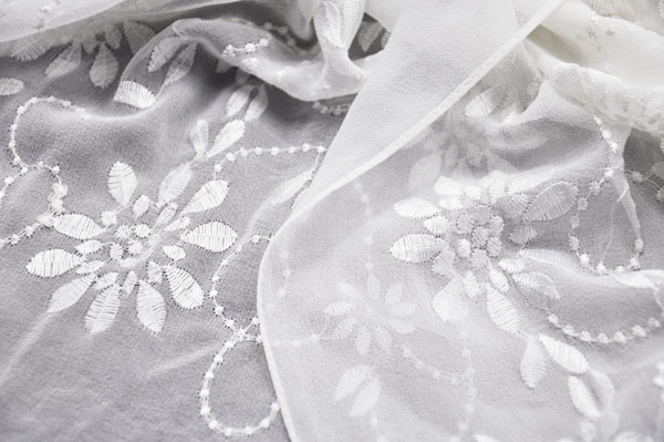 embroidered silk shawl (3)