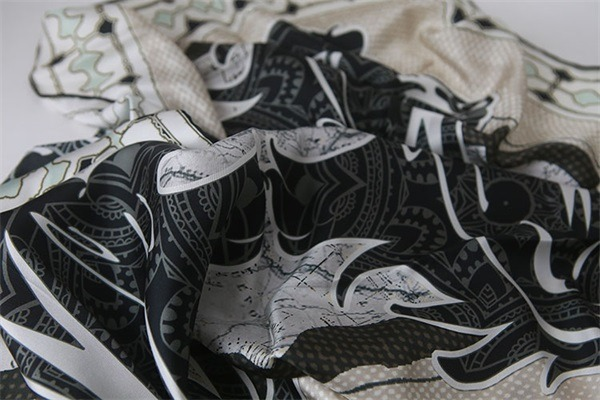 horse print scarf 100 silk from custom scarf manufacturers (1)