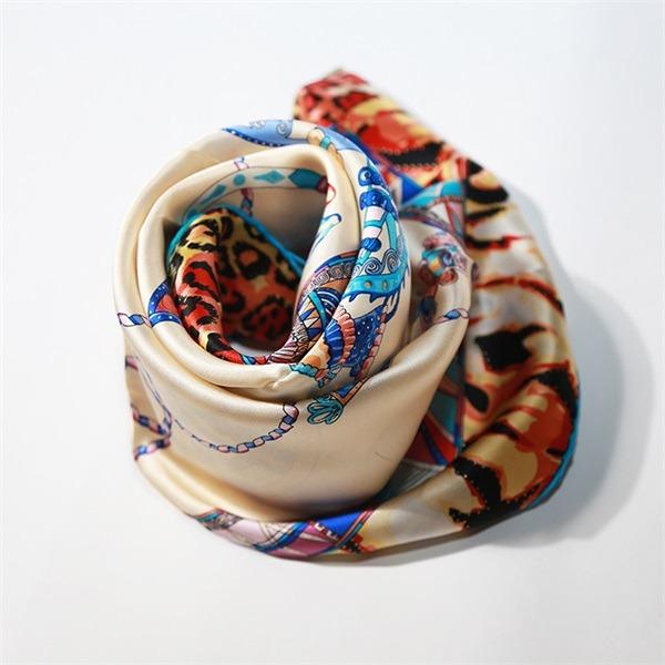 horse silk scarf 90cm 90cm (1)