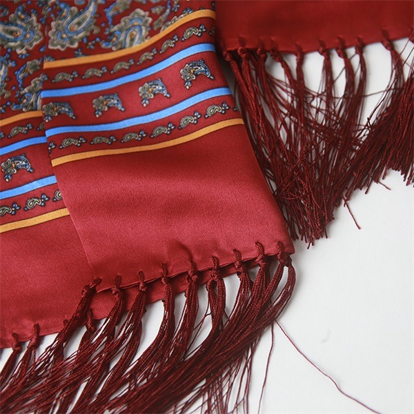 luxury mens tassel silk scarf with classic paisley design (2)